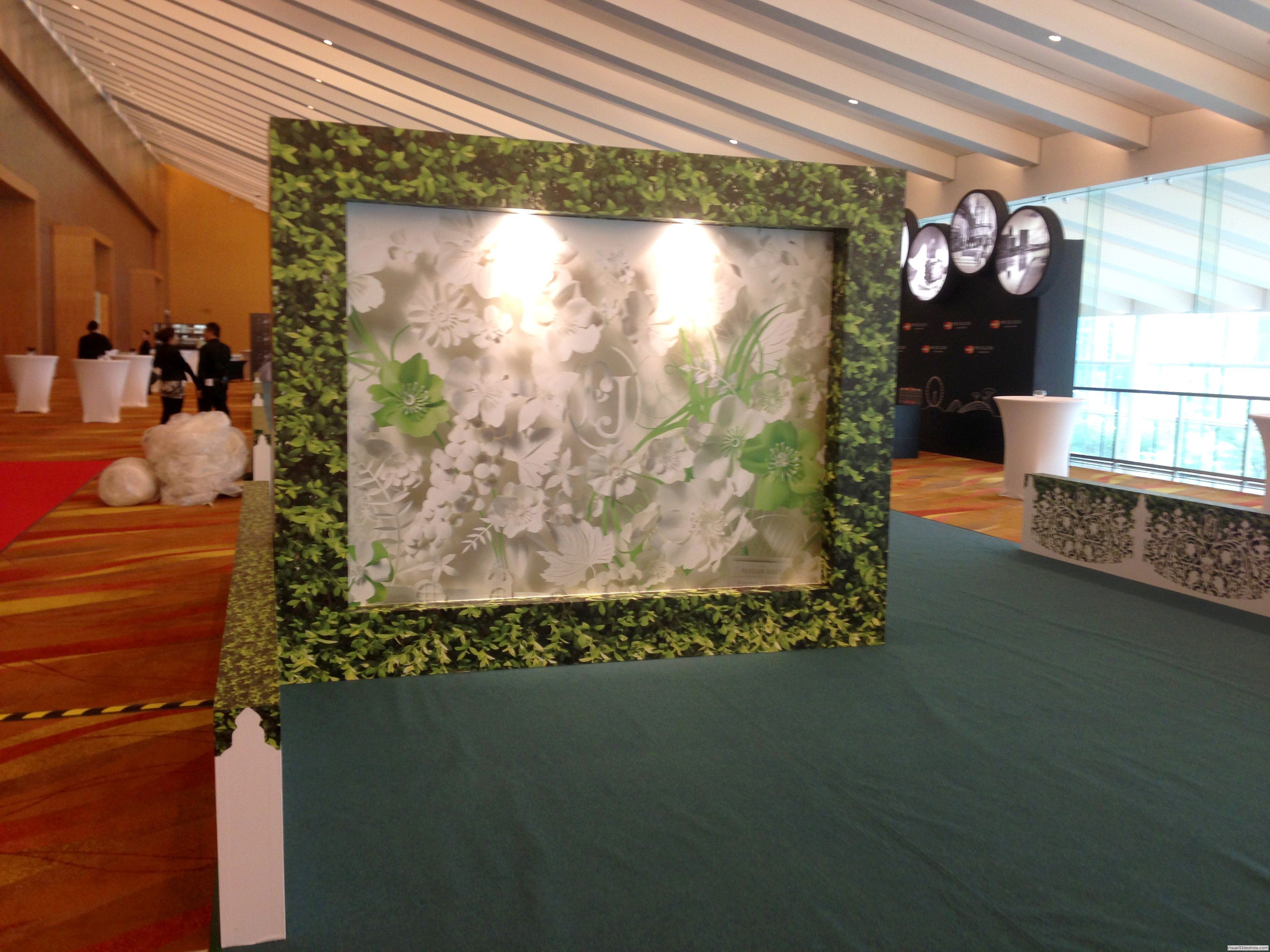 Perrier Jouet<br/><br/>Location: Marina Bay sand<br/>Display props, Backdrop, Digital print, Install